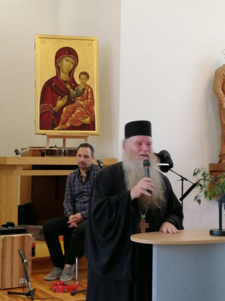 """Abt Paisios beim Vortrag zum Thema """"Das Gebet und ich: Wie spreche ich mit Gott"""""""